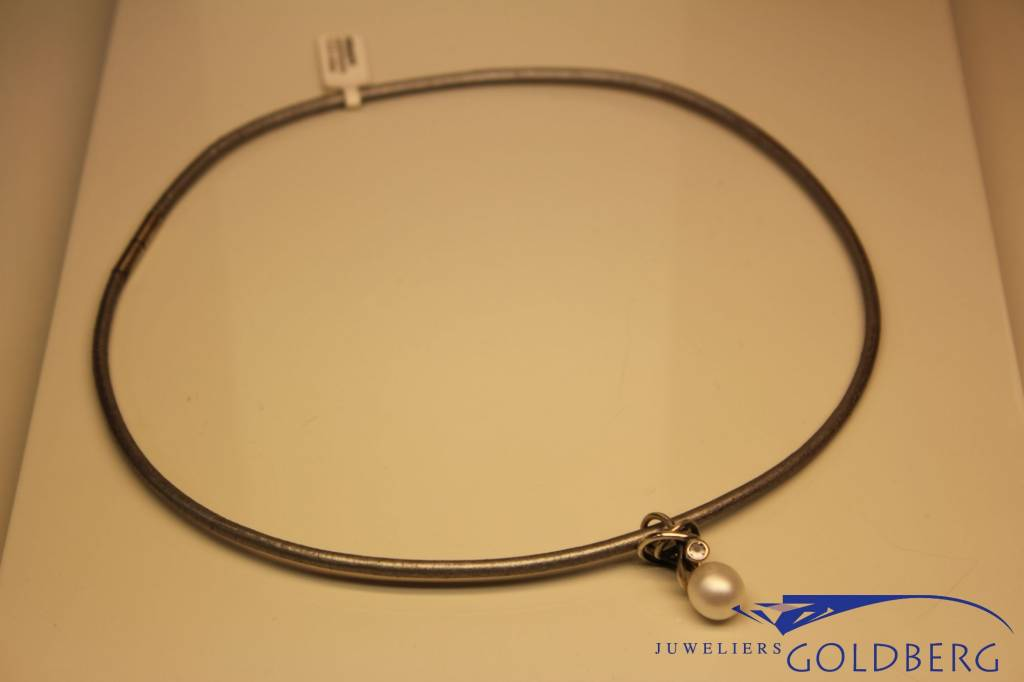 Rabinovich Rabinovich leather necklace with silver, pearl and zirconia