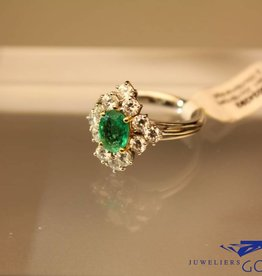 Witgouden ring met 2.00ct smaragd en 1.20ct briljant