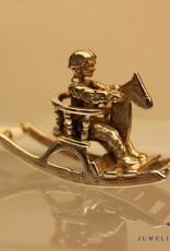Zilveren miniatuur hobbelpaard