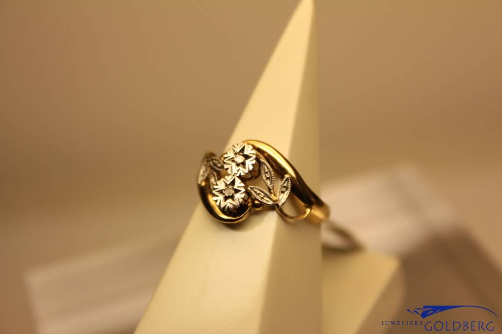 18 carat gold French vintage ring with diamond