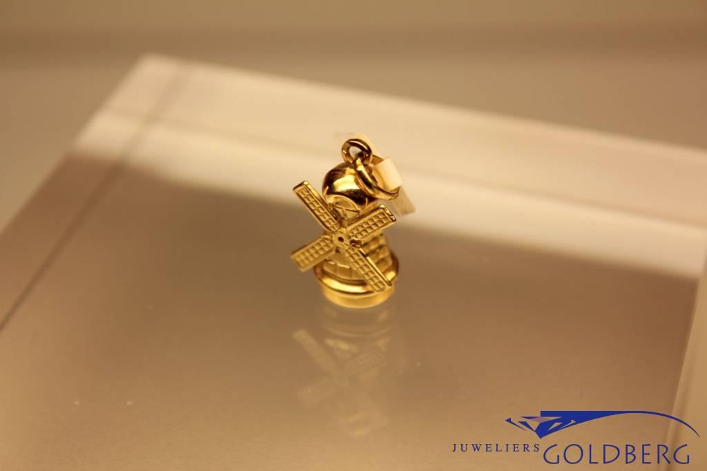 18 carat gold windmill pendant, 1980's model