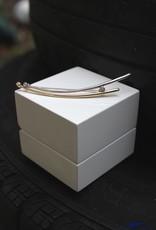 14 carat bicolor gold pin with 0.09ct diamond