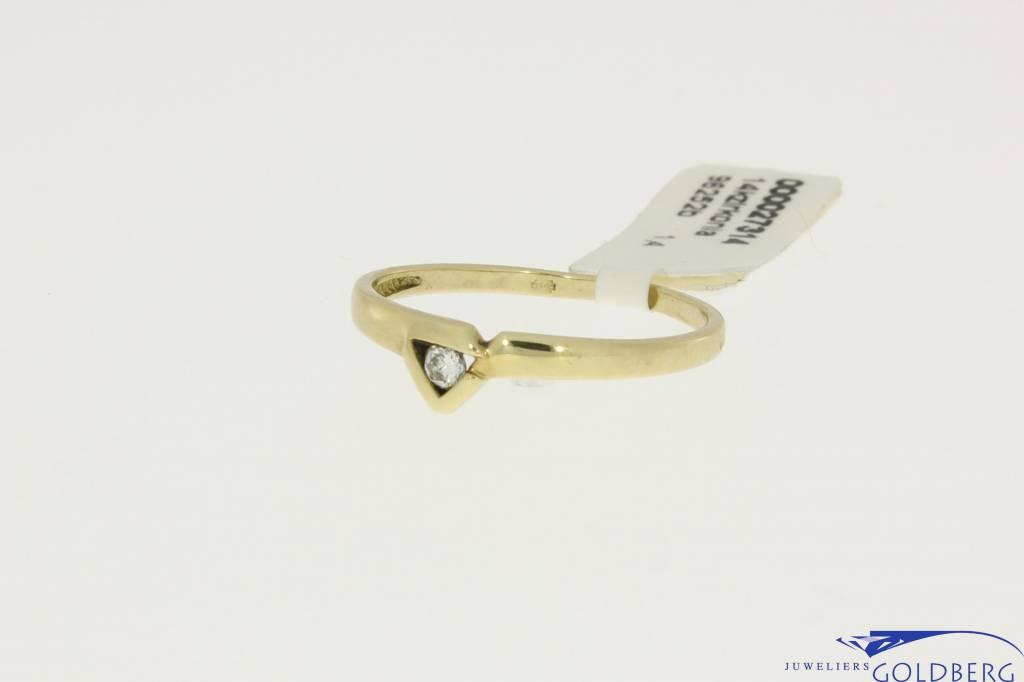 14k gouden ring driehoek met zirconia