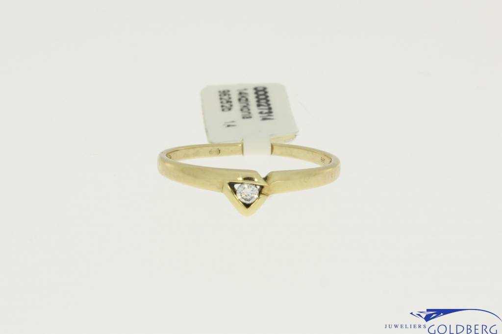 14k gold ring triangle with zirconia