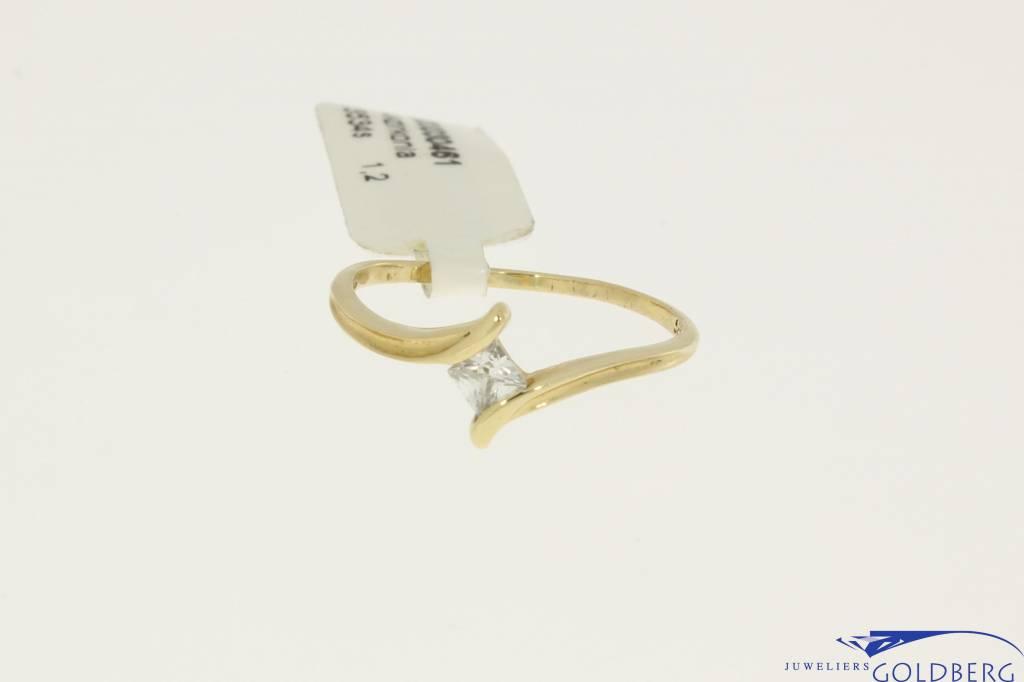 Vintage 14k gouden ring met prinses geslepen zirconia
