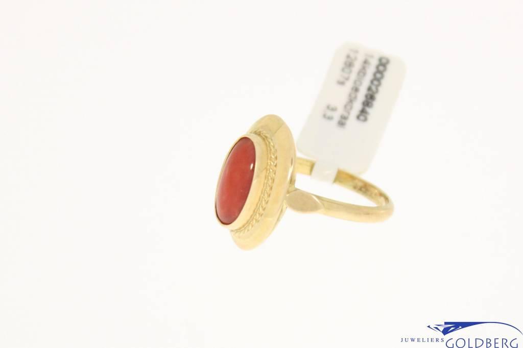 Vintage 14k gold ring red coral 11,5x6mm