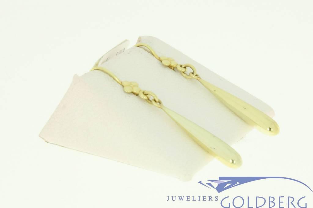 Lovely vintage 14k gold earrings with flower
