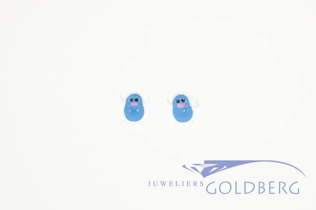 Silver penguin earstuds blue enamel