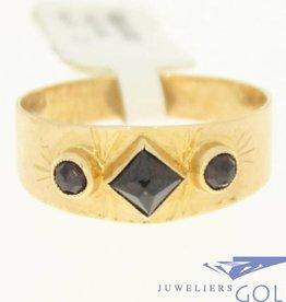 vintage 14k gold ring with 3 garnet