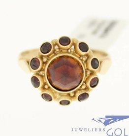 vintage 14k gold ring with 11 garnet