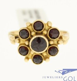 vintage 14k gold ring with 7 garnet
