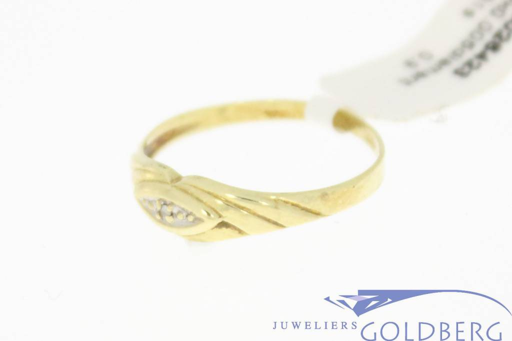 Vintage 14 carat gold ring with a diamond