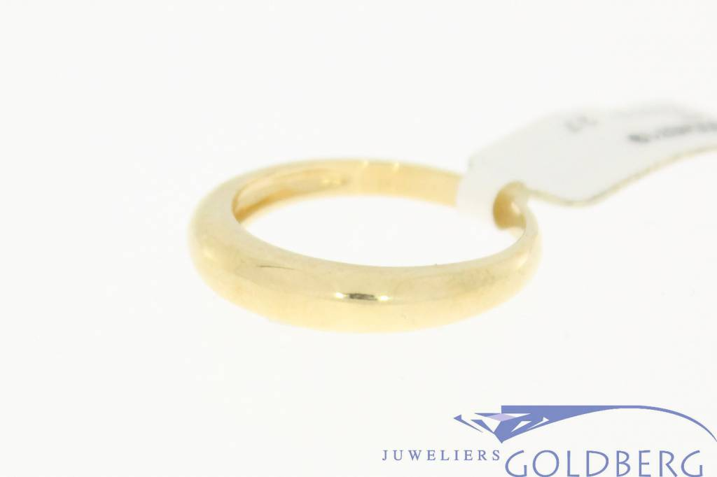 Vintage 14 carat gold smooth ring