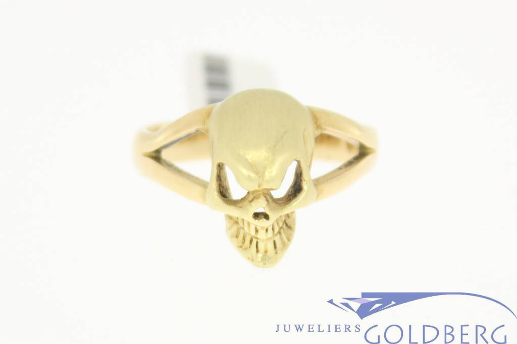 Vintage ring 14k gold with a skull