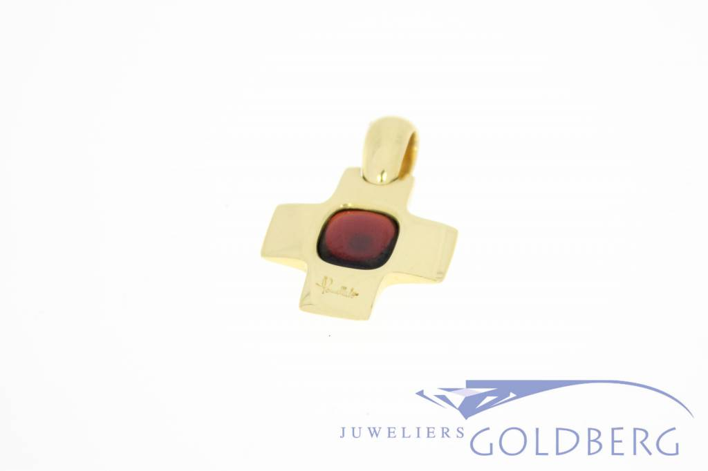 Vintage 18 carat gold Pomellato cross pendant with garnet