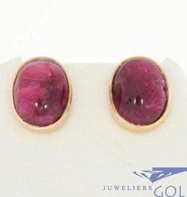 Vintage 18k gouden oorstekers met grote robijn