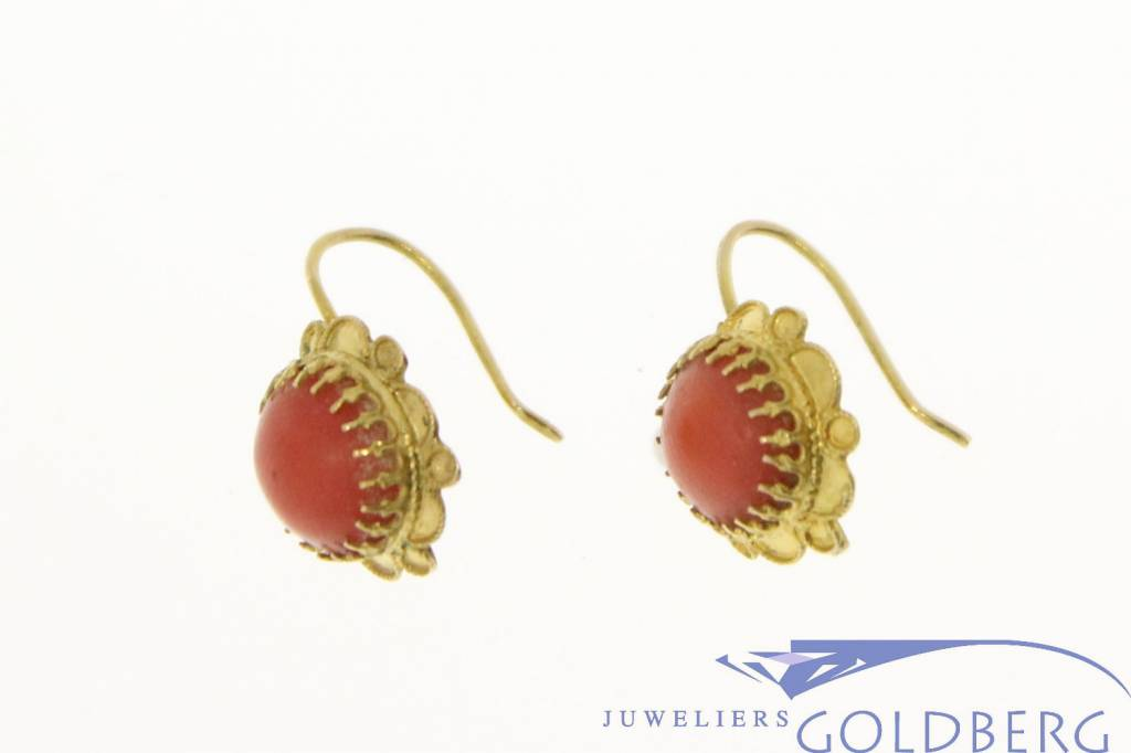 vintage 14k gold earrings with red coral - Goldberg