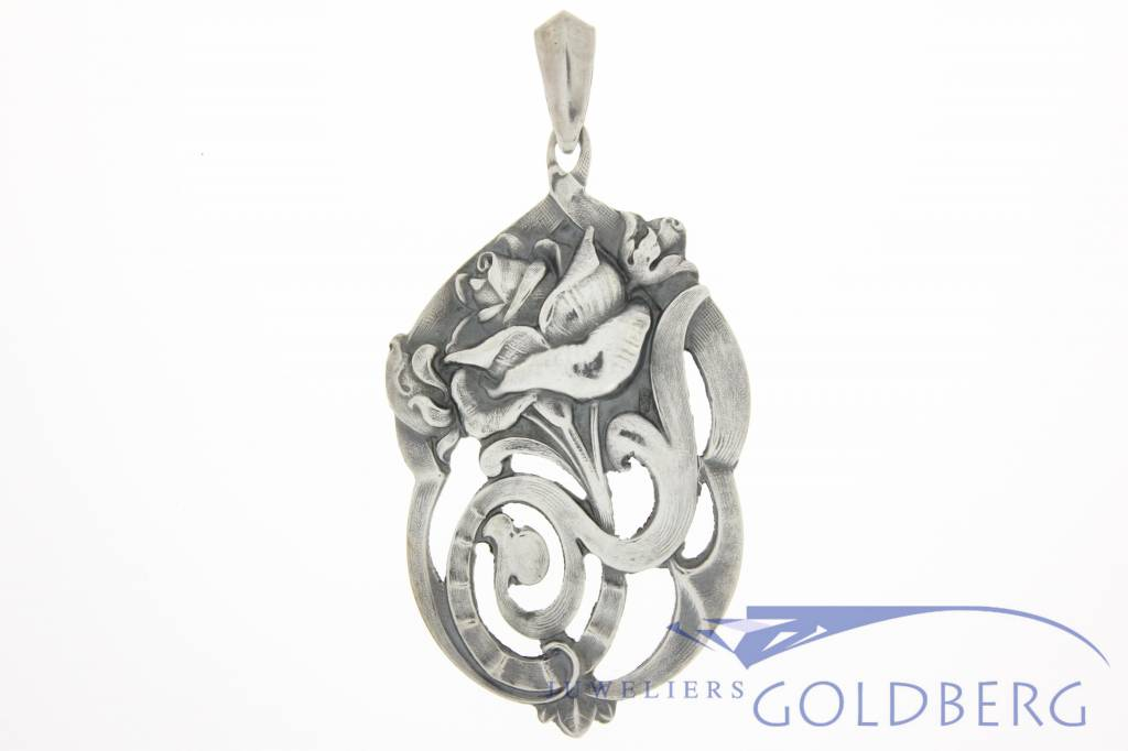 Antique chased silver pendant Alex Meijer 1928-1953
