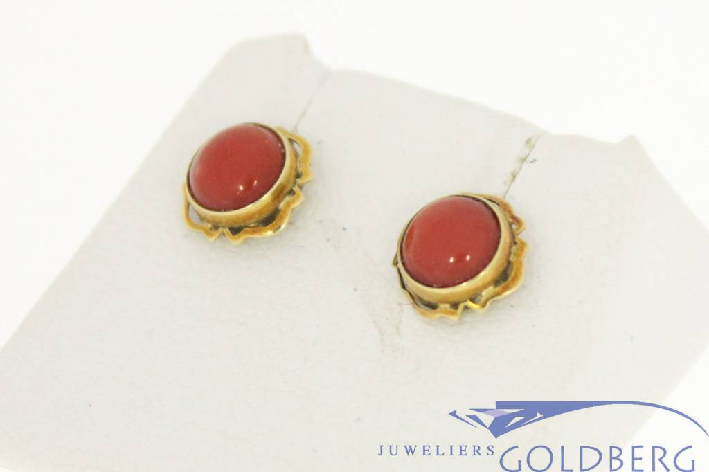 Dainty vintage 14 carat gold earstuds with red coral