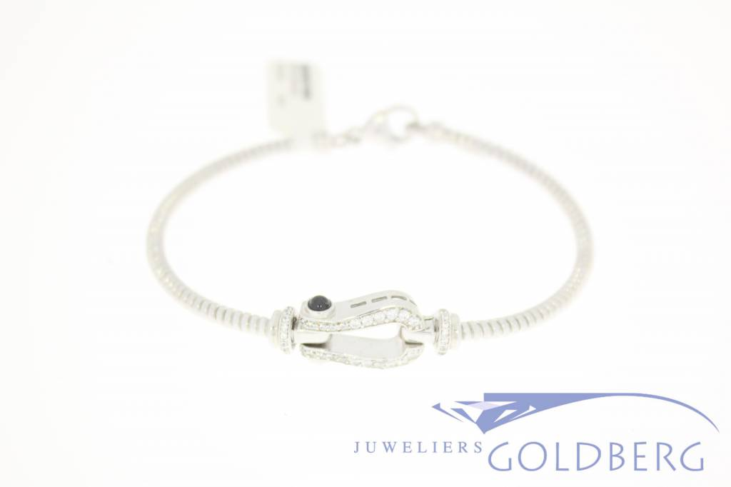 Silver bracelet/bangle with zirconia's