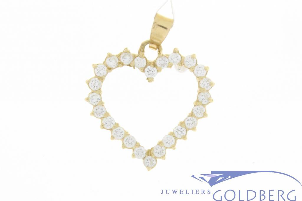 Vintage 14 carat gold open heart-shaped pendant with zirconia