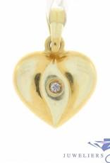 Fijn vintage 14k gouden bewerkt hartje hanger met zirconia
