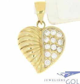 Vintage 14k gouden hartvormige hanger met bladversiering en zirconia