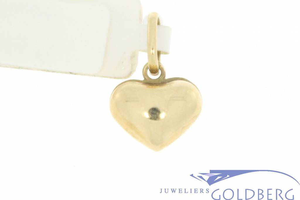 Vintage 14 carat gold rounded heart-shaped pendant