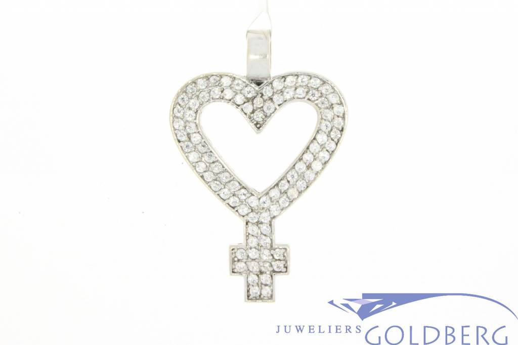 Vintage 14 carat white gold heart-shaped women's symbol pendant with zirconia