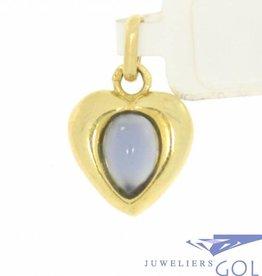 Lieflijke vintage 18k gouden hart hanger met blauwe saffier