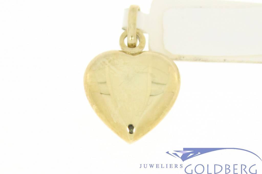 Simple vintage 14 carat gold heart-shaped pendant