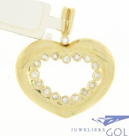 Sturdy vintage 14 carat gold open heart-shaped pendant with zirconia