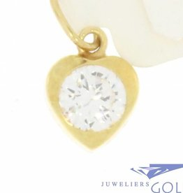 Delicate vintage 14 carat gold heart-shaped pendant with zirconia
