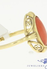 Vintage 14 carat gold ring with a big red coral