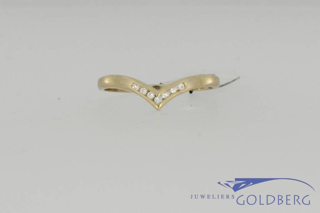Vintage 14 carat gold ring with 0.08 carat brilliant cut diamond