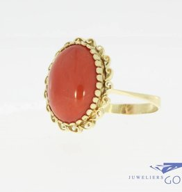 Classic 14 carat gold vintage ring with red coral