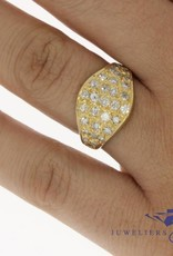 Robust 18 carat gold vintage ring with approx. 0.90 carat piqué diamond