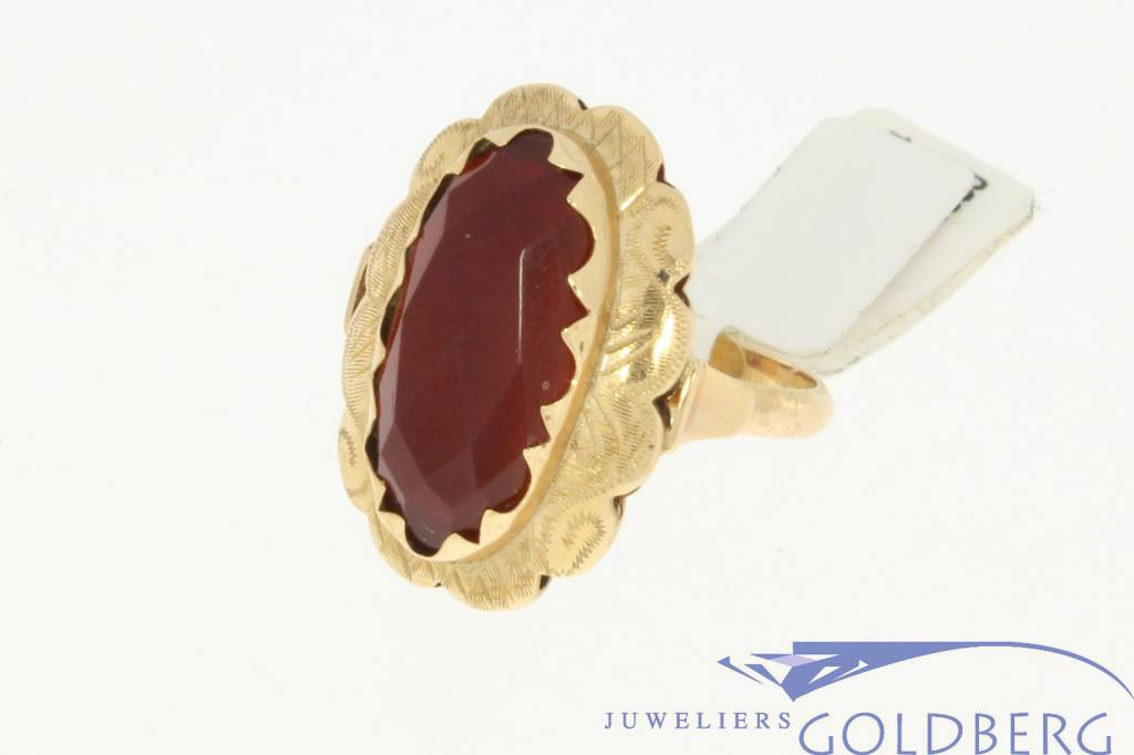 Vintage 14k gold ring with a large carnelian