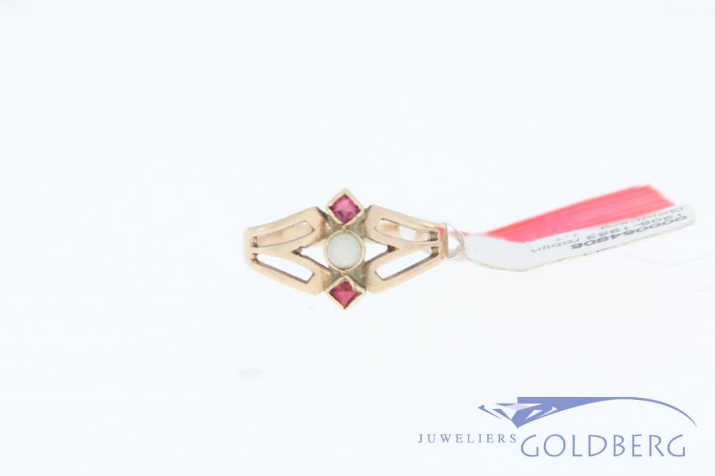 Antique 14 carat rose gold ring with pearl and ruby 1906-1953