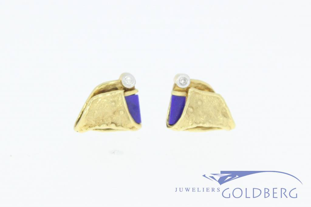 Vintage 18 carat gold earstuds with ca. 0.03ct diamond and lapis lazuli