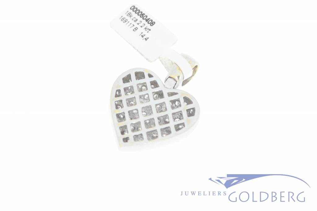 Vintage 18 carat white gold heart-shaped pendant with ca. 2.2ct brilliant cut diamond