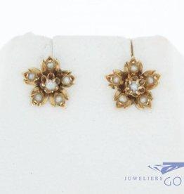 Antieke 14k gouden bloemvormige oorhangers met steenparel