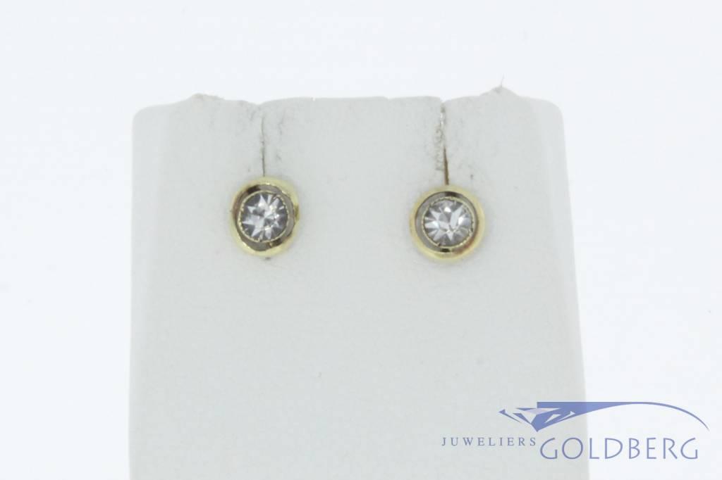 Antieke 14k gouden oorstekers met zirconia 1906-1953