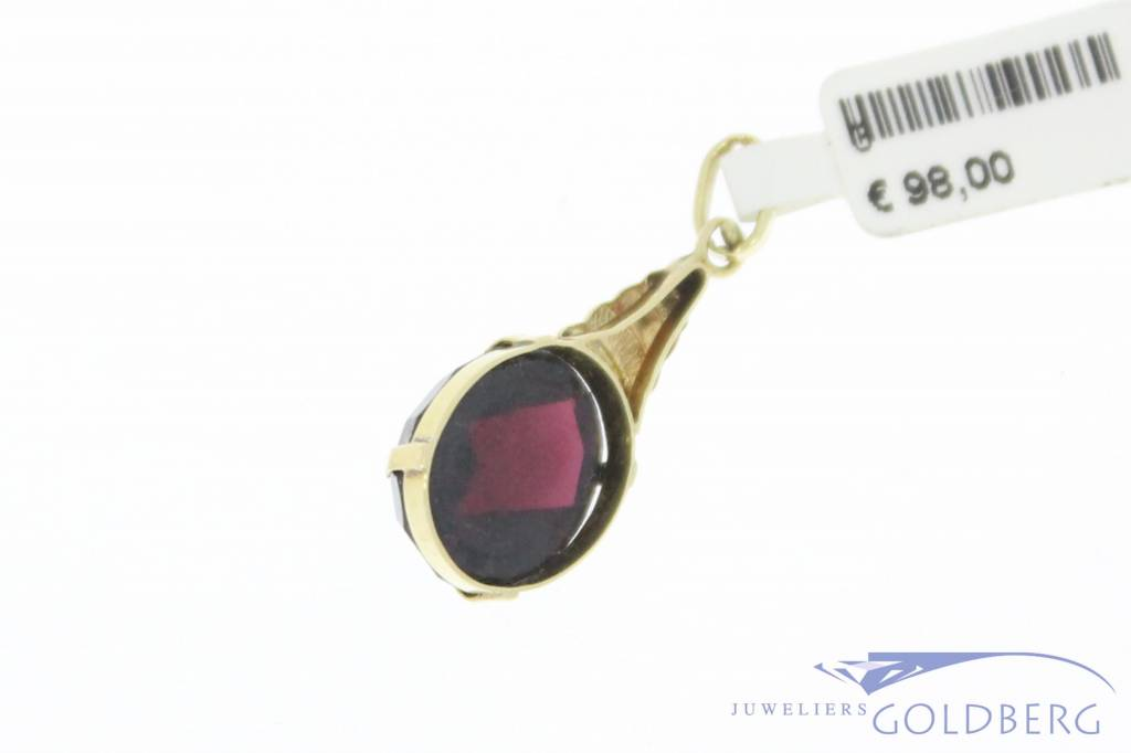 Antique 14 carat gold pendant with large garnet 1906-1953