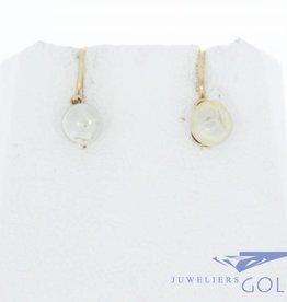 Antieke 18k gouden oorstekers met natuurlijke parel