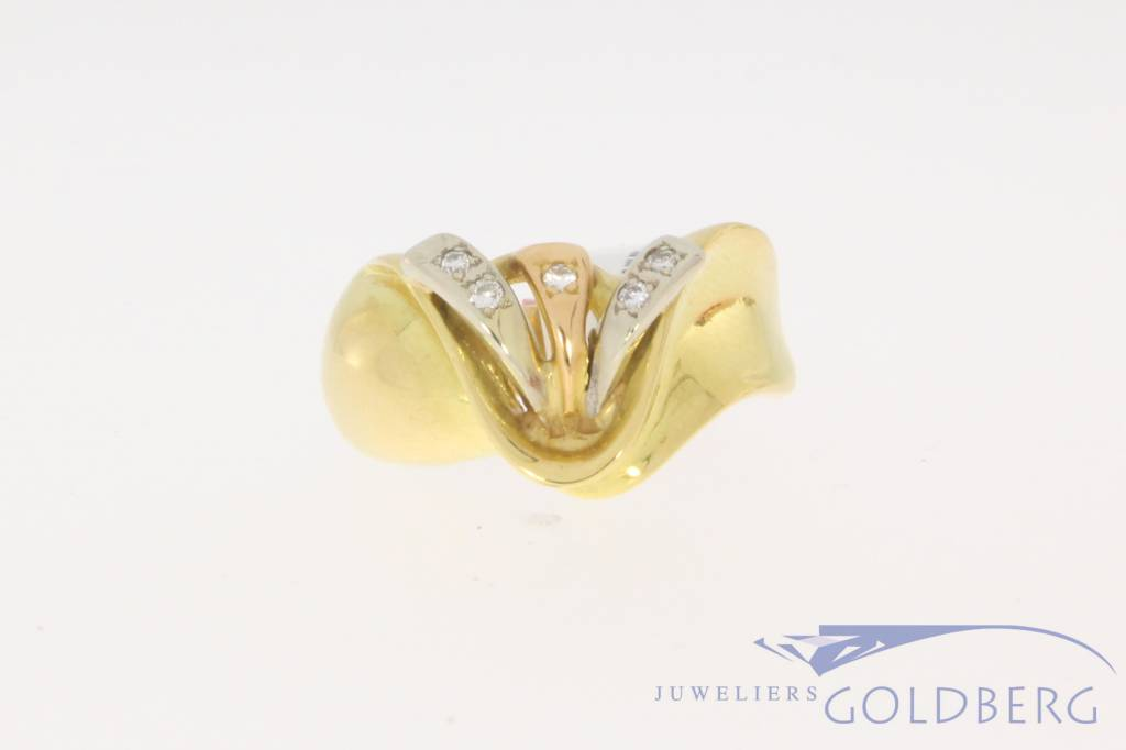 Vintage 18 carat gold tricolor ring 0.10ct diamond