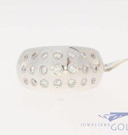 Vintage 18 carat whitegold ring 0.96 diamond