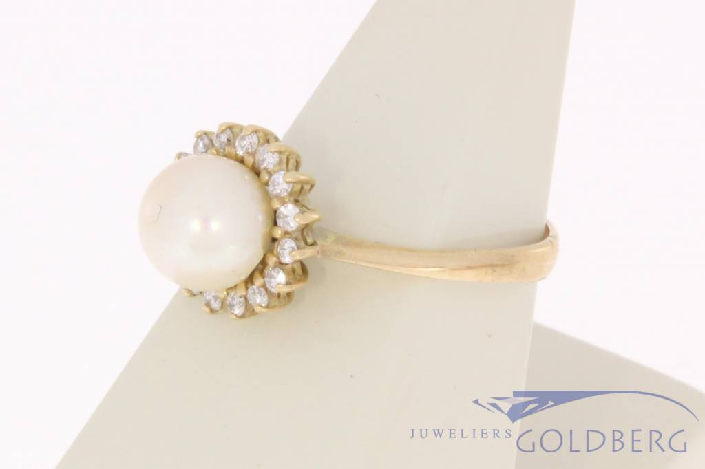 Vintage 14 carat gold ring with pearl and diamonds