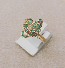 Vintage 20 carat gold ring with emerald