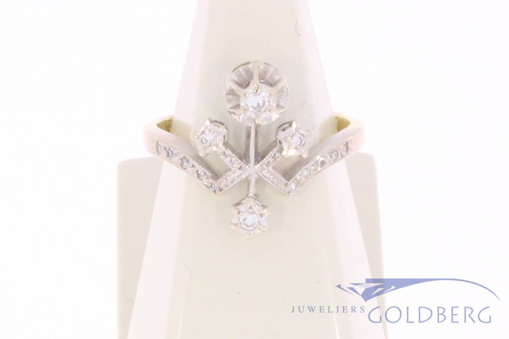 Vintage 14 carat bicolor gold ring with diamond